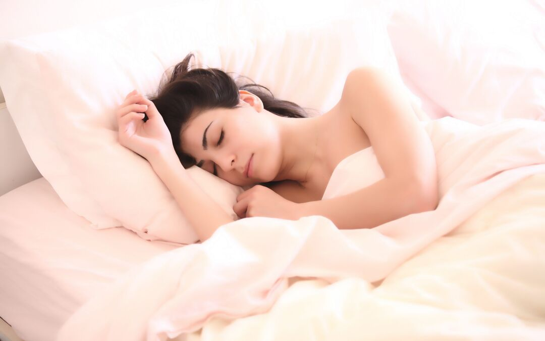 5 Essential Oils to Help You Sleep